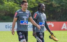 Chará con Aguirre al final de la práctica en Sabanilla.