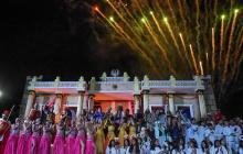 Los 120 artistas que participaron en el montaje de la obra, Loa de los Reyes.
