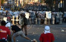 Represión durante manifestación contra reelección del presidente de Honduras: Al menos 15 heridos