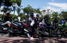 Bogotá le sigue los pasos a Barranquilla con prohibición de parrillero hombre en moto