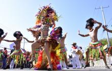 La reina del Carnaval 2018, Valeria Abuchaibe Rosales, se vistió de 'Reina Africana' en un traje diseñado por Julie de Donado, que recibió los mejores comentarios.