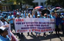Docentes de la Adea marchando en el norte de Barranquilla.