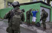 Autoridades buscan controlar favelas de Río de Janeiro con operación militar