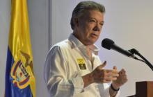 Gestos como el cese en elecciones son los que esperamos del Eln: Santos