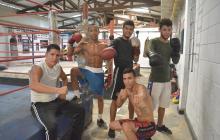 Boxeadores venezolanos rezan por la salud de Yeison Cohen