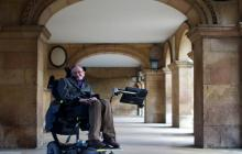 Imagen del astrofísico británico Stephen Hawking tomada en 2013, en Cambridge.