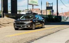 Uber suspende uso de autos sin conductor tras primer atropello mortal