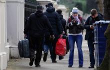 Diplomáticos rusos expulsados abandonan la embajada de Londres