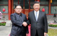 Kim Jong Un, recibido con gran pompa por Xi Jinping en Pekín
