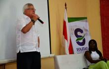 El alcalde Joao Herrera durante la presentación del Sime. Lo acompaña la secretaria de Gobierno, Josefa Cassiani.