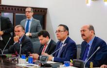 El presidente del Senado, Efraín Cepeda, y el gobernador Eduardo Verano, en la sesión de este martes.