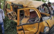 Al menos 13 niños muertos en accidente de transporte escolar en India