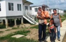 Una de las pocas familias que fue beneficiada.