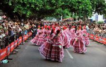 Piloneras en el desfile tradicional de este viernes en Valledupar.