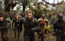 Superhéroes de al menos 18 películas distintas se unen en esta batalla para enfrentar a Thanos.