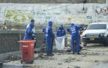 Al menos 30 toneladas de basura recoge Triple A en rejillas