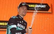 Bennett hizo la 'pole' en Imola ; Yates, líder