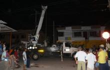 Habitantes del Parque retienen vehículo de Electricaribe ante la falta de energía