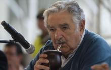 """""""Lo encontré con ánimo"""": Mujica luego de visitar a Lula en la cárcel"""