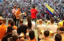 Cerca de 200 músicos interpretaron las notas del Himno Nacional a las 6 a.m.