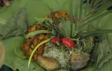 Seco de cogollo de naidí con chaupiza, plato preparado por el Colectivo del Pacífico.