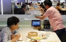 Los robots que han sustituido a los camareros en Shanghái