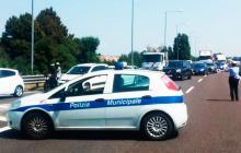 Las autoridades italiana hicieron presencia en la vía donde se presentó la explosión.