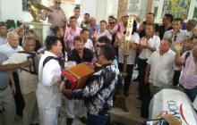 El adiós a Nacho Paredes fue al son de 'La Cumbiamberita', el tema que lo inmortalizó