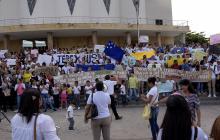 Estudiantes piden al Gobierno mantener el programa 'Ser Pilo Paga'