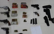 Fiscalía halla armas y municiones en parqueadero del centro de Medellín