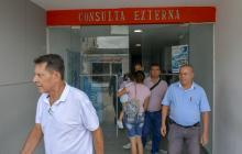 Pacientes ingresan y salen de la consulta externa de la ESE Hospital de Baranoa 'José Gómez Heredia'.