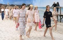 Chanel y Vuitton: playa, brisa y colores... en París