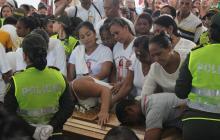 En video    En sepelio de niña asesinada en Fundación, Iglesia pide proteger a menores