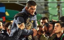 Nurmagomedov, recibido como  un héroe tras vencer a McGregor