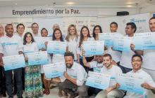 Grupo de jóvenes emprendedores en la isla de San Andrés.