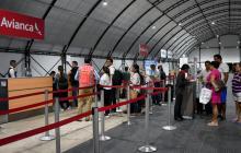 Usuarios de Avianca en la zona del Check-in.