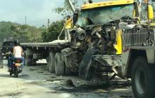 La víctima mortal se encontraba debajo de su vehículo, al parecer, revisando la carga.