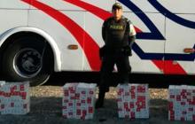 Decomisan tres mil cajetillas de cigarrillos de contrabando dentro de bus entre Riohacha y Maicao