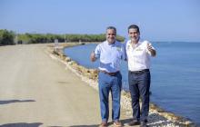 El alcalde Pedrito Pereira y el gobernador Dumek Turbay durante la entrega de la obra.