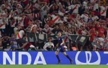 Rafael Santos Borré celebra su primer gol contra el Al Ain en el Mundial de Clubes.