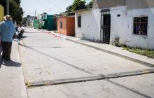 Hay tres 'policías acostados' en la calle 88, entre carreras 7H y 7J, del barrio Las Malvinas.