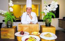 El chef Aníbal Macías, del hotel Hilton Garden, muestra sus tres recomendaciones para estas fiestas de diciembre.