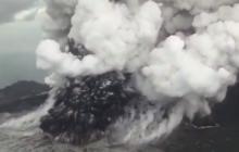 """En video    La furia del 'Hijo de Krakatoa"""" retumba en Indonesia"""