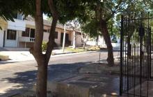 En esta cuadra del barrio El Recreo fue hallada la mujer.