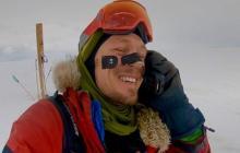 El aventurero estadounidense logró una hazaña histórica tras 54 días de travesía en el Polo Sur.