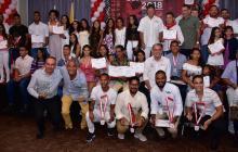 Grupo de los mejores deportistas del Atlántico 2018 y los galardonados por Indeportes y la Gobernación del Atlántico.