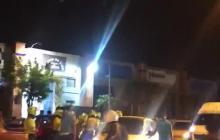 Registran en video enfrentamiento entre conductores de Dacia y Policía