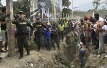 Un centenar de militares venezolanos desertaron y cruzaron a Colombia: Migración