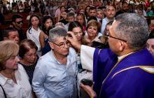 Después de Joselito los católicos recibieron la ceniza