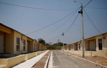 Avanza en 95 % la construcción de 200 casas gratuitas en Santo Tomás
